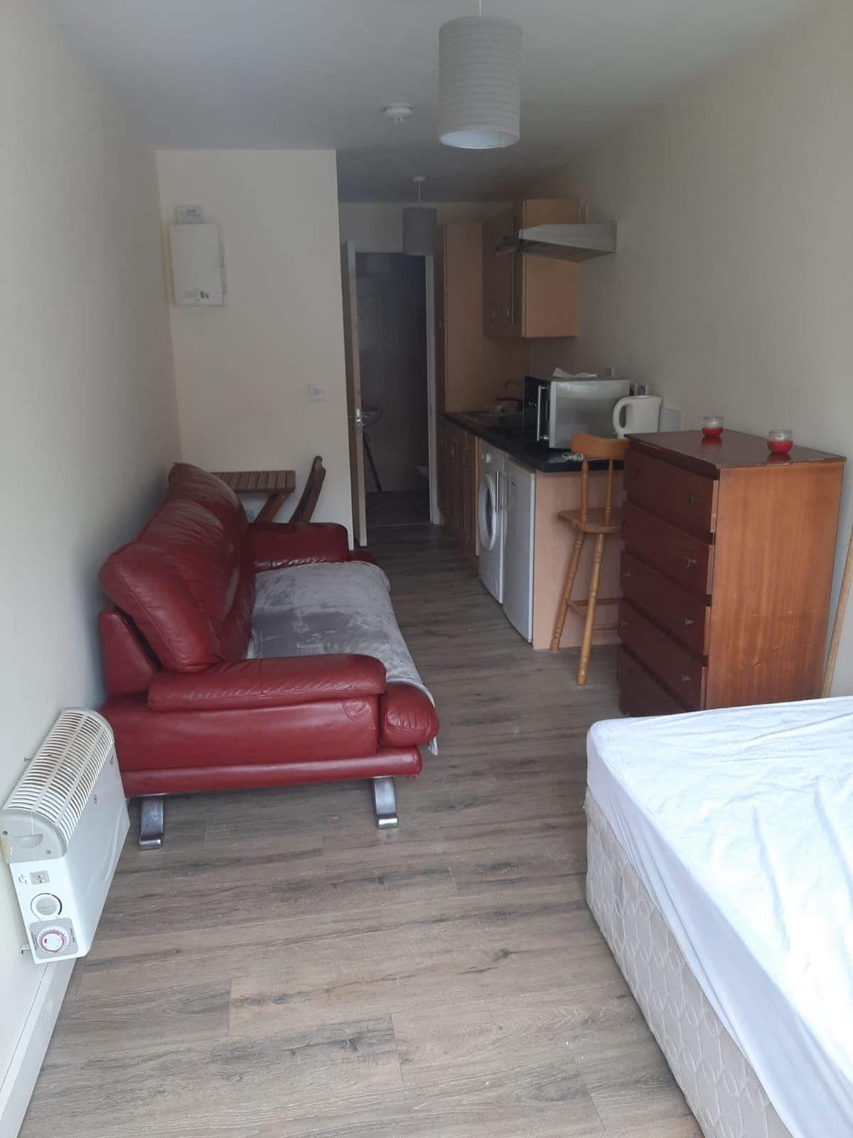 Ashlawn One Room Apartment